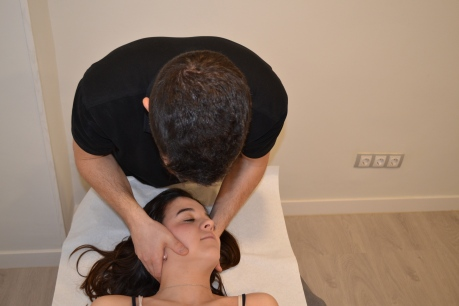 Manipulacion cervical por bloqueo vertebral